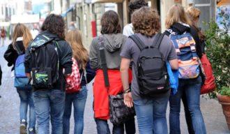 SCUOLA: SOLO 8% BAMBINI TORNA A CASA DA SOLO, GERMANIA 76%