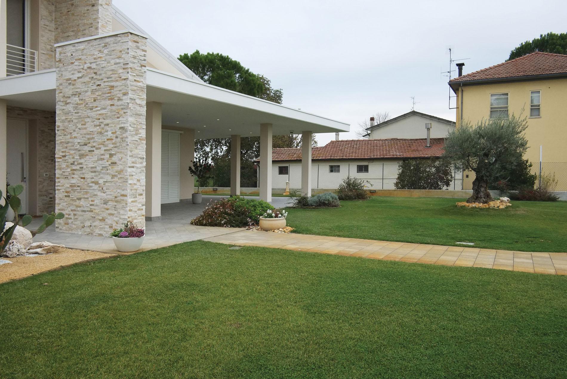 Ingresso Casa Esterno In Pietra fuori città: la villa di angela e mario a san zaccaria