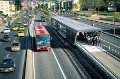 il TransMilenio e le corsie preferenziali
