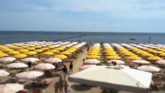 Spiaggia Con Canoa2