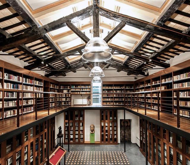 Biblioteca Del Centro Dantesco