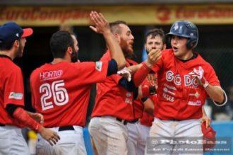 Godo Baseball Esultanza Foto Bassani