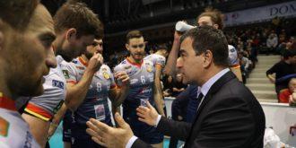 Coach Graziosi In Un Time Out