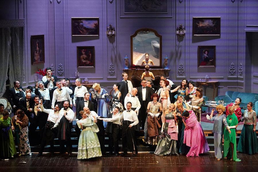 Traviata Foto Corale