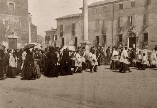 Rinaldo Processione