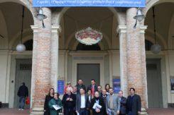Foto Di Gruppo Davanti Al Teatro Goldoni I
