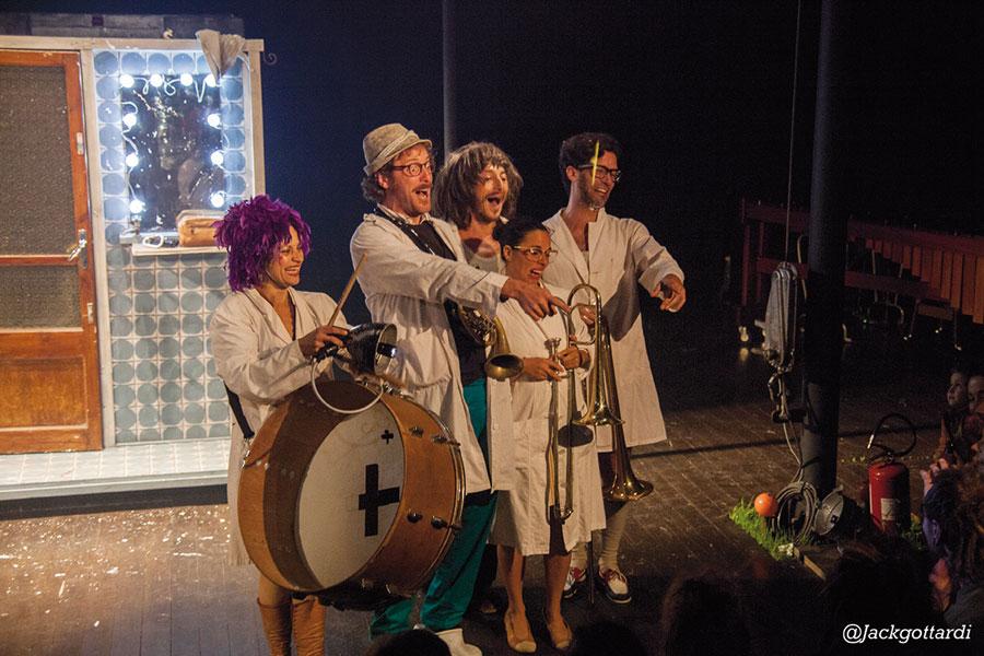 Circo Paniko Panikommedia 09