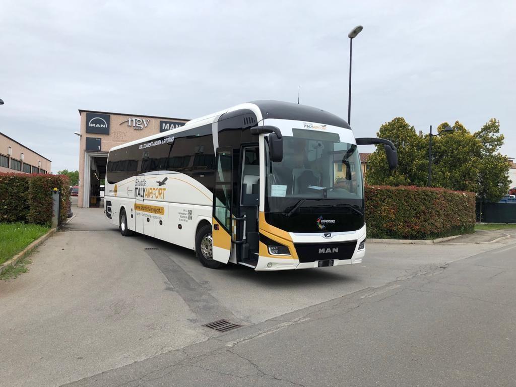 Il bus shuttle tra Ravenna e l'aeroporto di Bologna ha ...