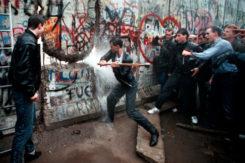 Muro Di Berlino Caduta Picconate