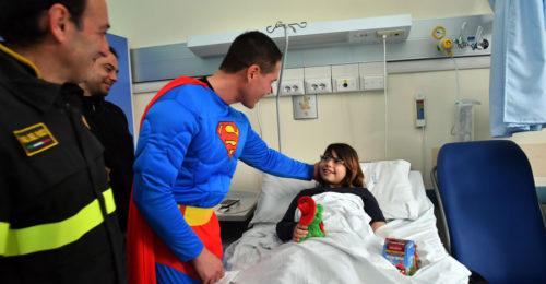 Superman Bambina Ospedale