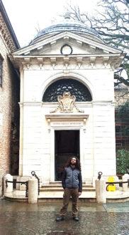 Enrico Mazzone Tomba Dante Esterno