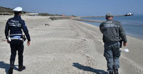 Polizia Controlli Covid Spiaggia