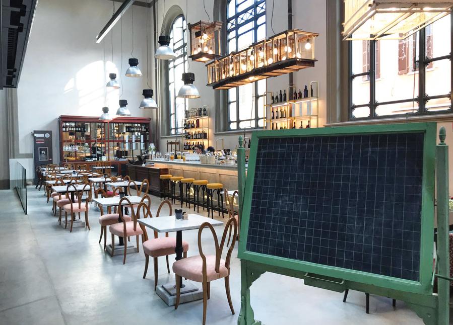 Riparte la ristorazione al Mercato Coperto, fra delizie enogastronomiche e convivialità in completa sicurezza