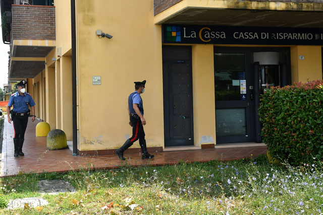 Rapina A Classe Carabinieri