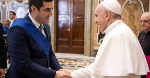 De Pascale Papa Francesco