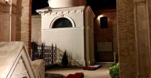 Tomba Di Dante Dopo Restauro