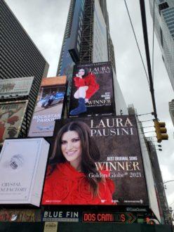 Laura Pausini Times Square Adnk