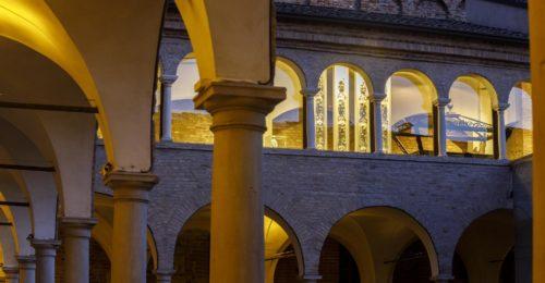 19 Notturno Sala Del Culto Vista Dal Chiostro