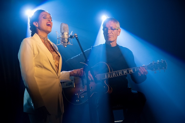Noa & Gil Dor (di Lior Keter)